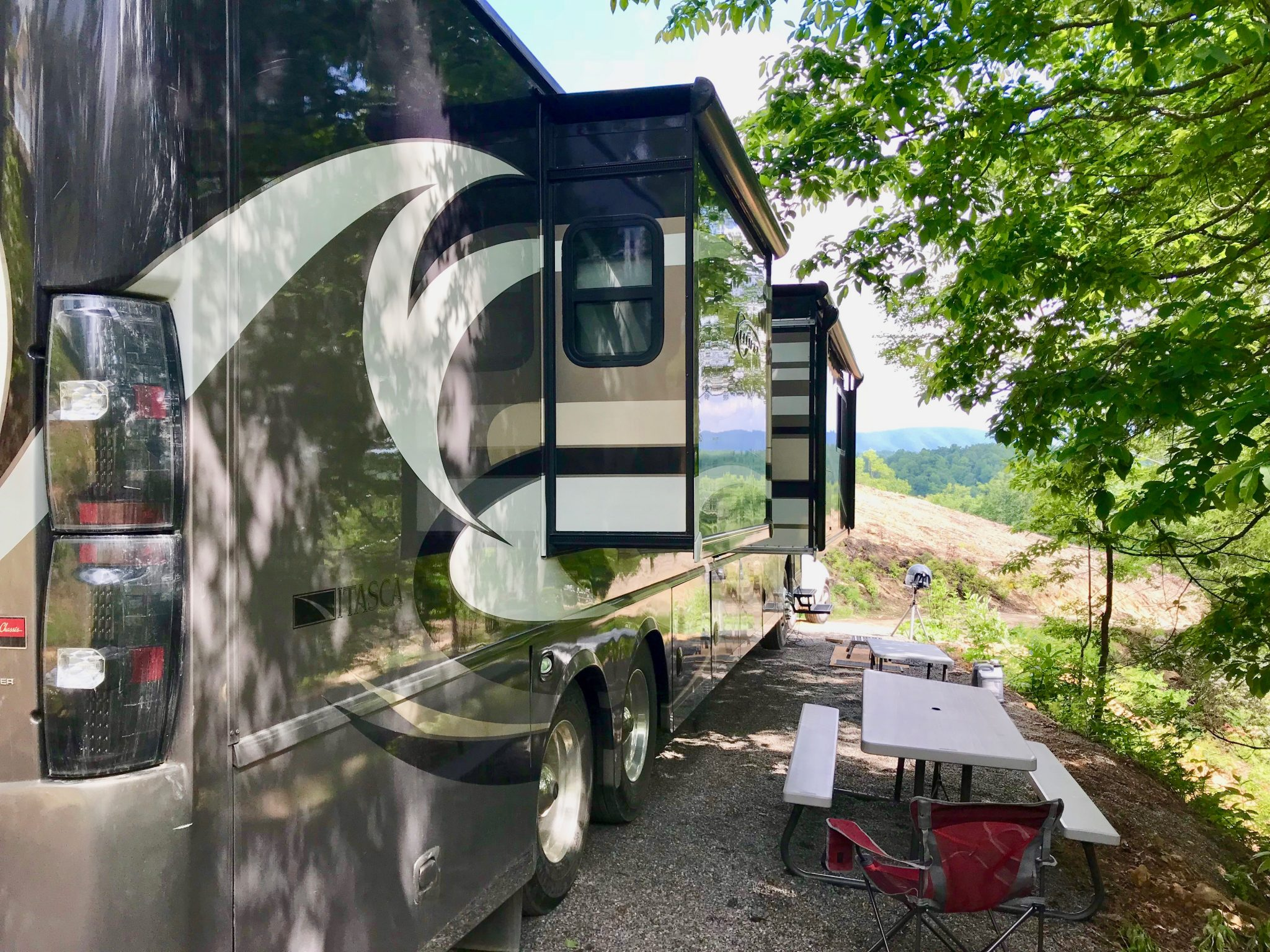 Can you hook up an rv to a house